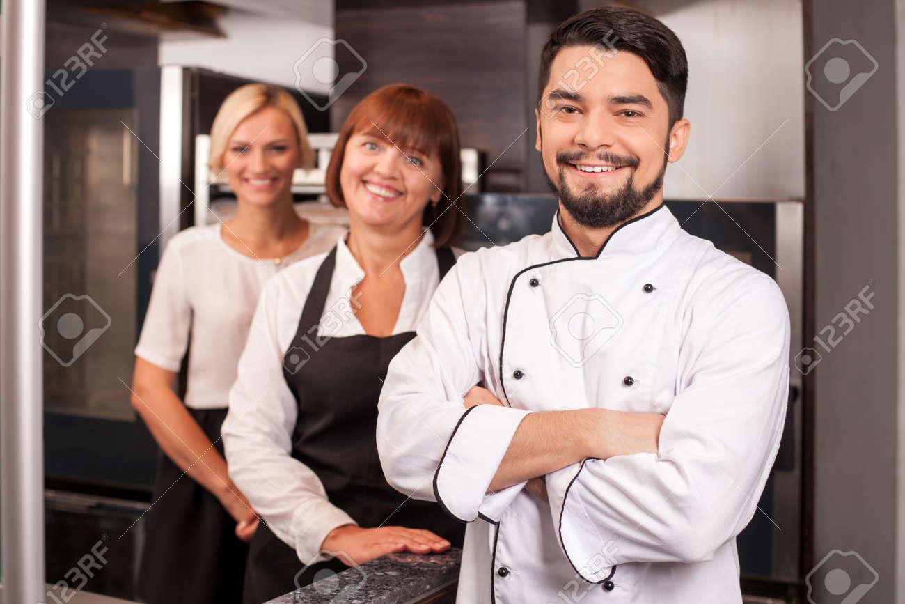 Verriere Cuisine Couloir ~ Boulanger Cuisine Boulanger Cuisine Hottes De Cuisine Hotte