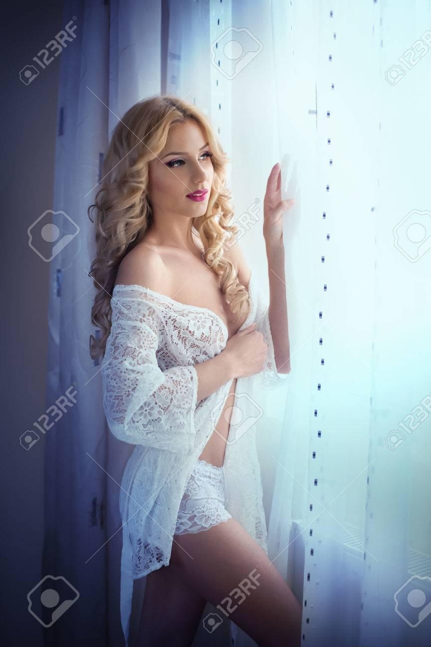 Секси блондинка фотки