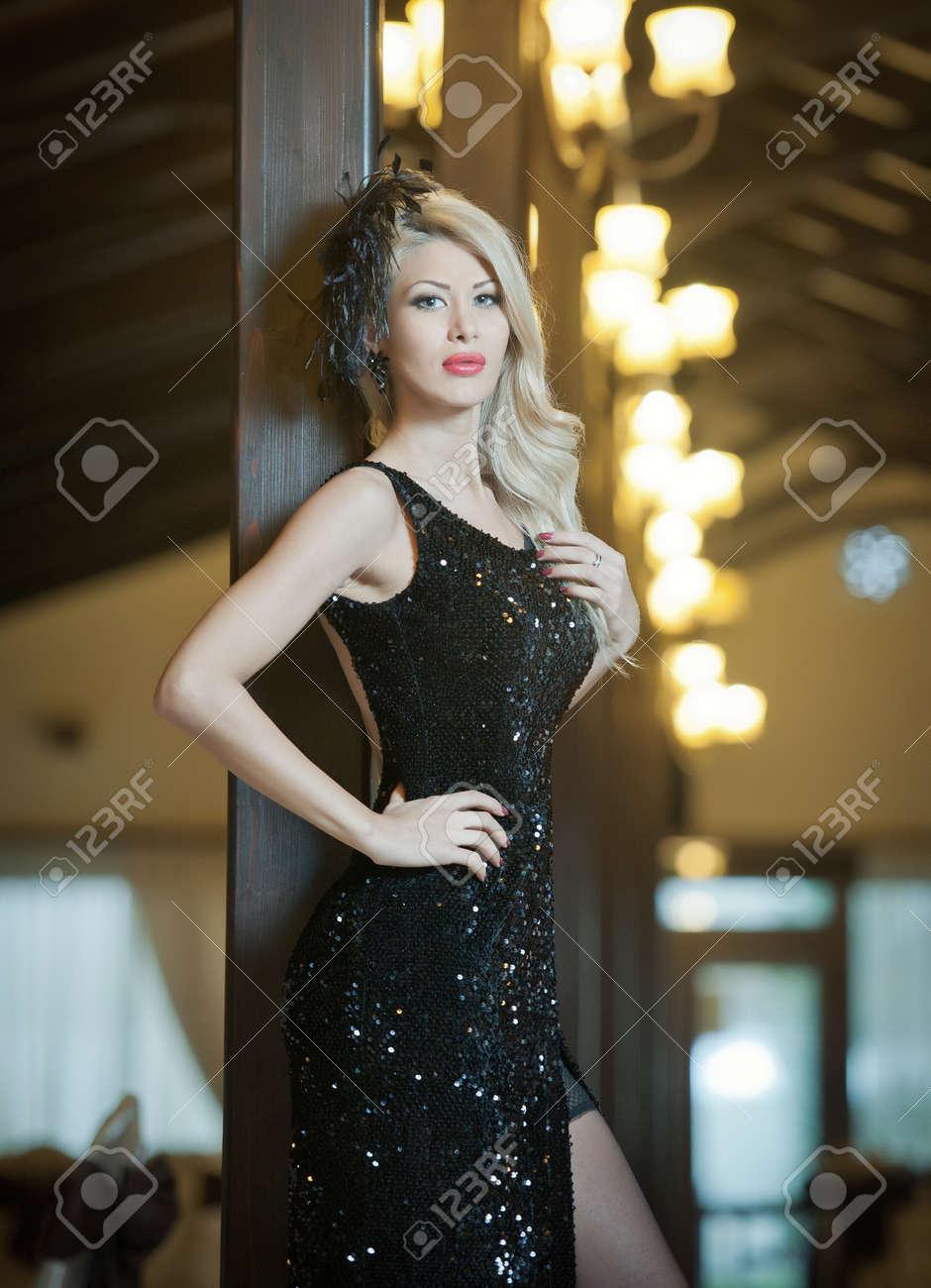 Belle robe noire longue