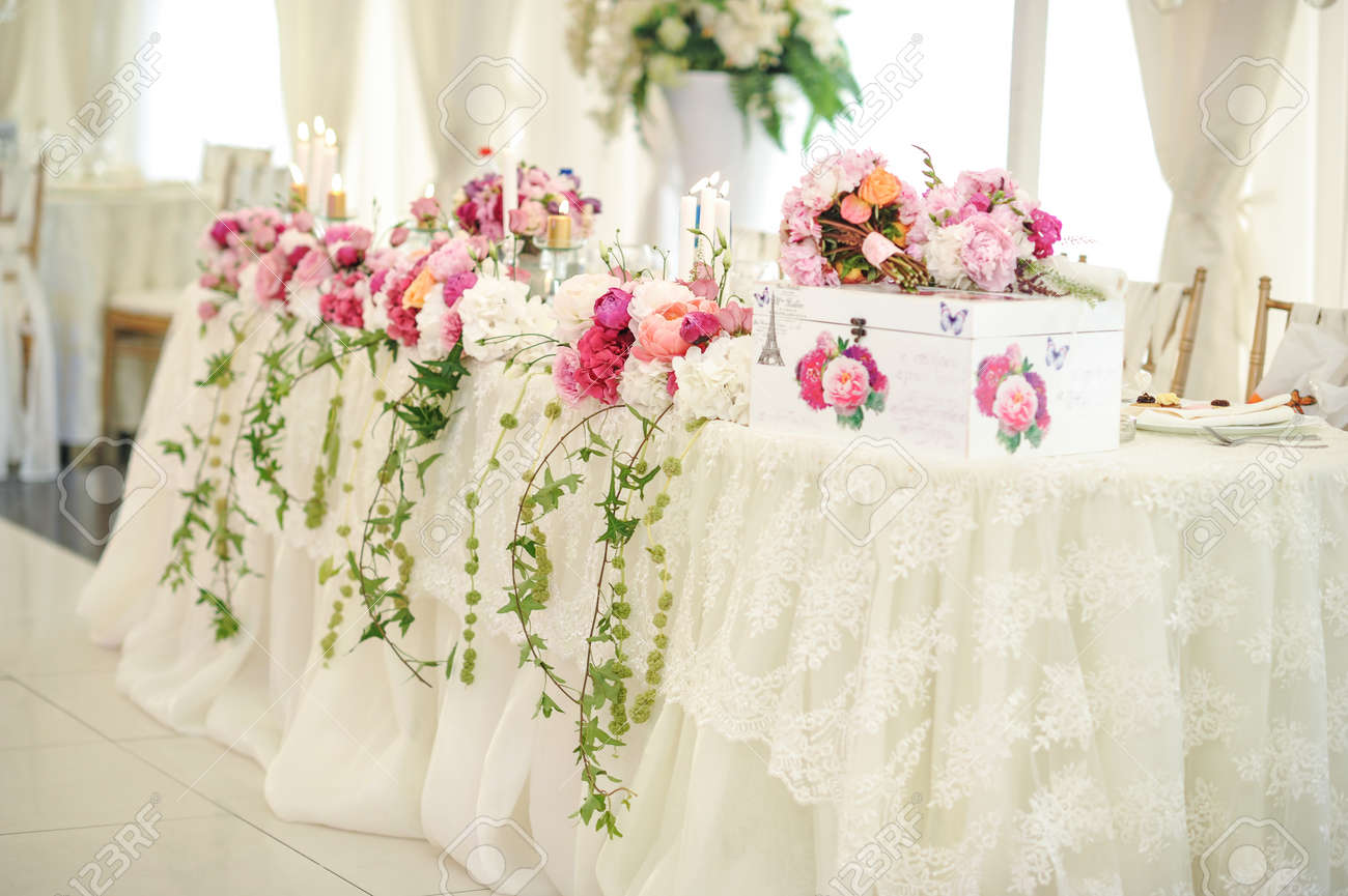Magnificent Pink Flower Arrangements Weddings Elaboration - The ...