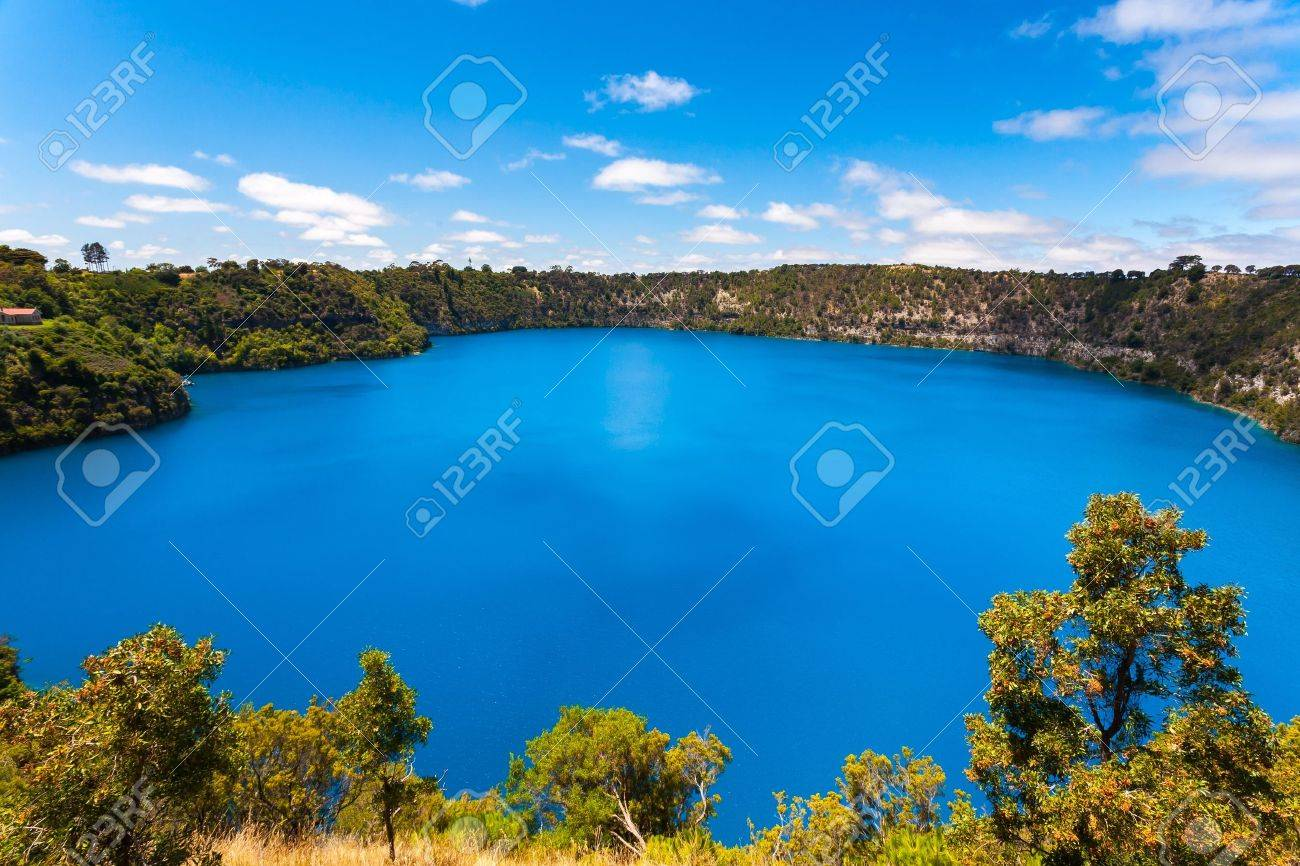 The incredible Blue Lake at Mt Gambier, South Australia Stock Photo - 21361151