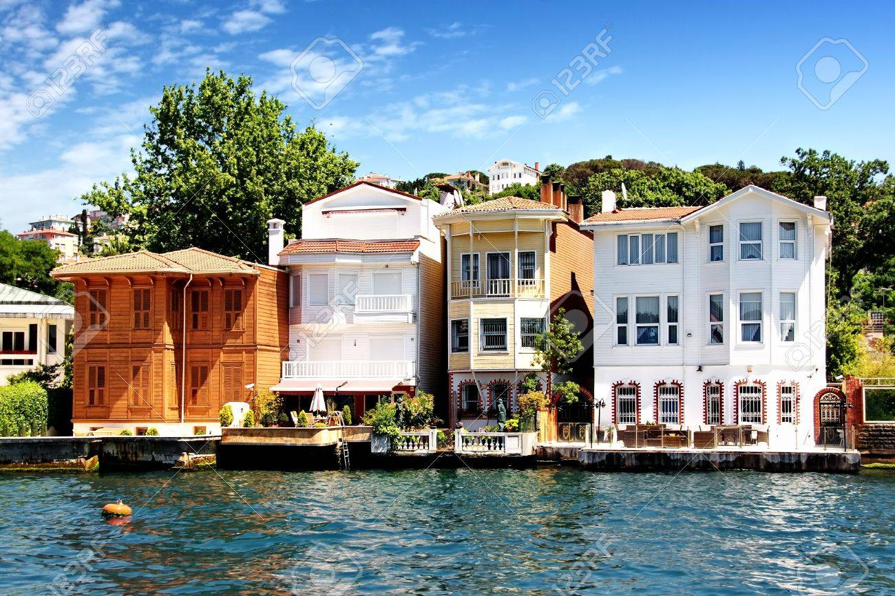 Bosporus Houses in Istanbul - 10043357