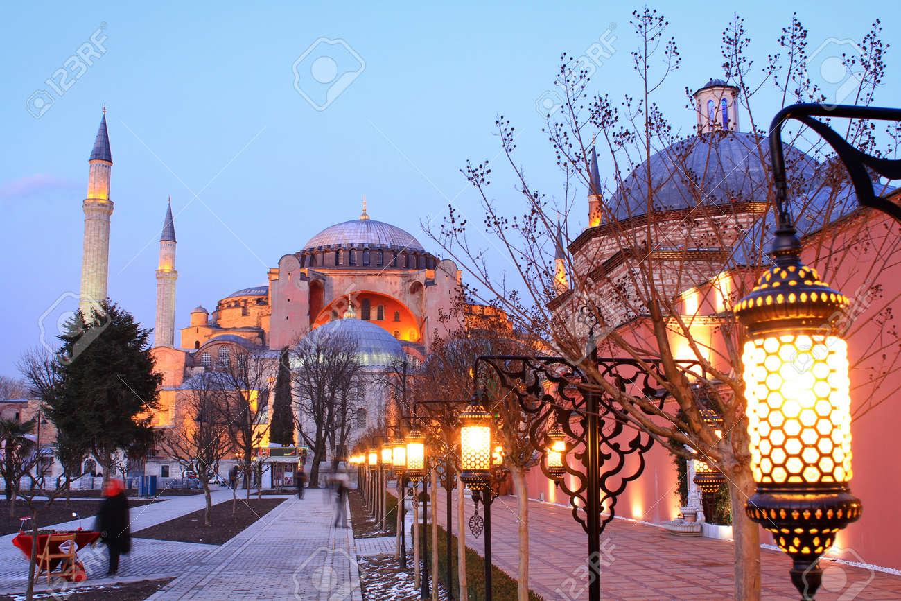 Istanbul, Hagia Sophia in night - 12425114