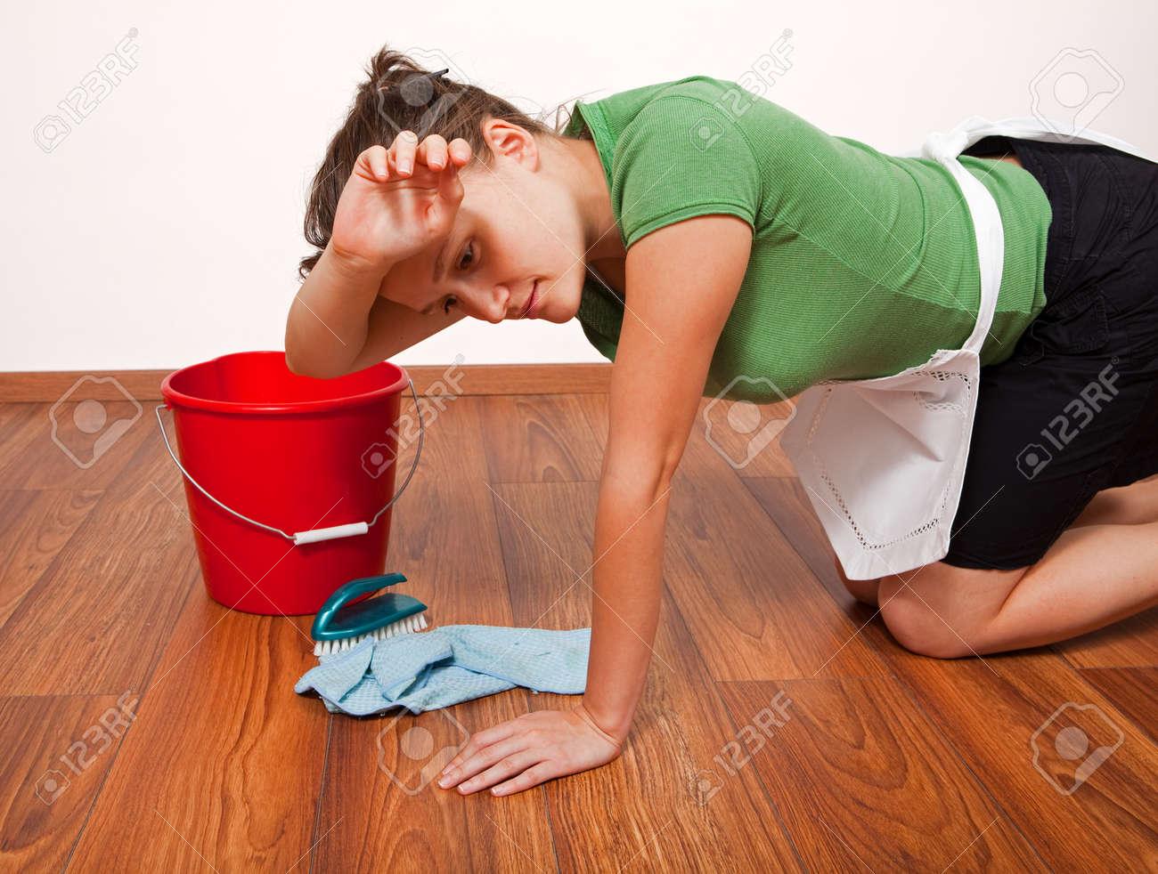 У домохозяйке швабра в попе 1 фотография