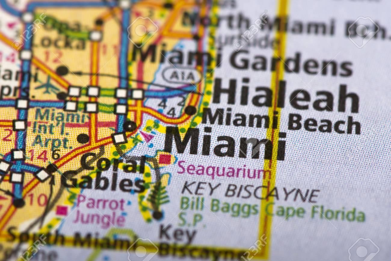 primer plano de miami, florida en un mapa político de los estados unidos.