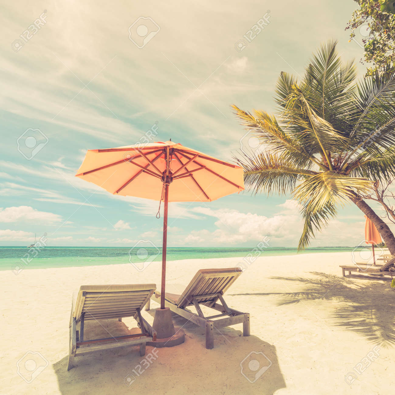 Ordinaire Stock Photo   Vacation Holidays Background Wallpaper, Two Beach Lounge  Chairs Under Tent On Beach. Beach Chairs, Umbrella And Palms On The Beach.