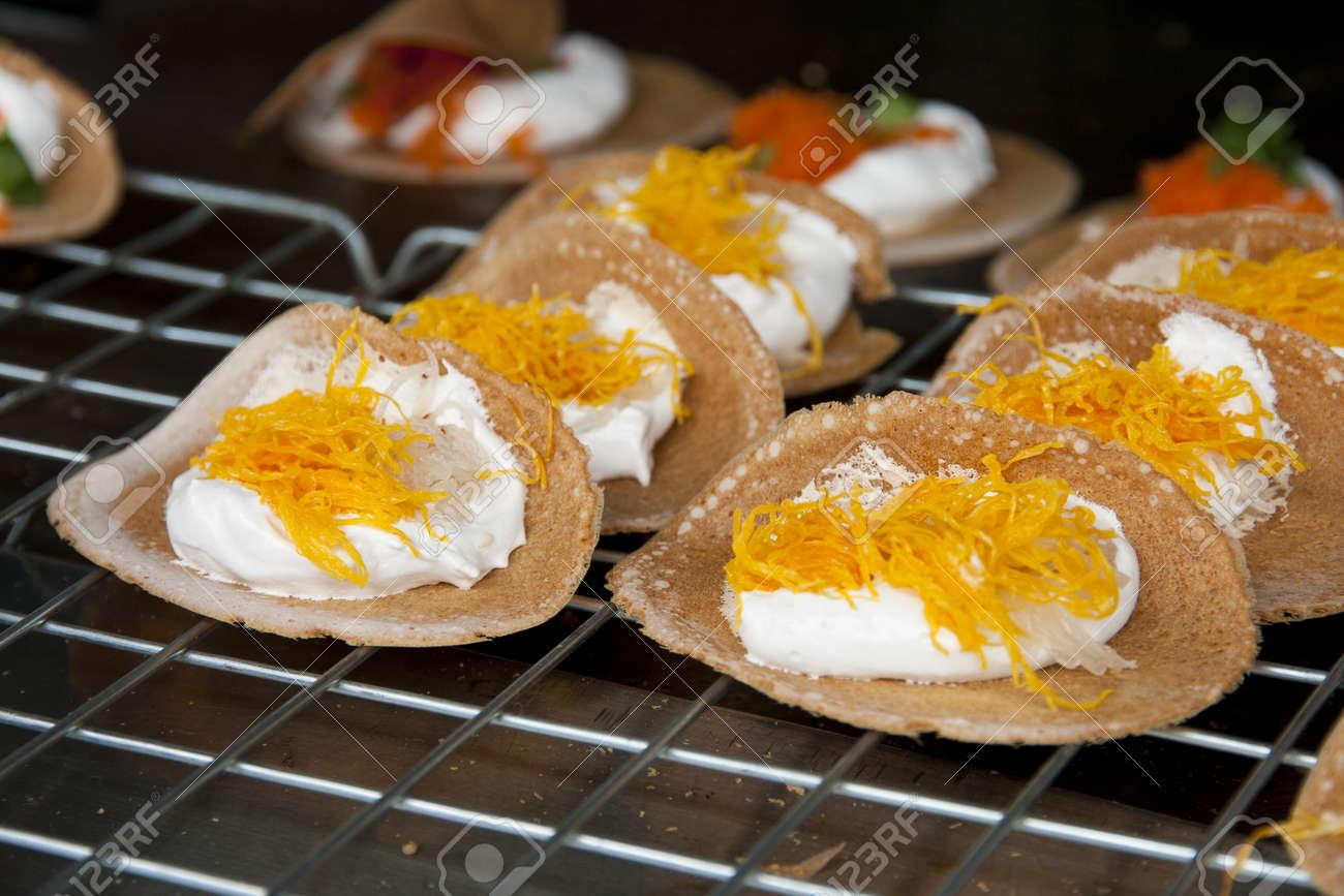 Crispy and cream thai traditional dessert Stock Photo - 16871508