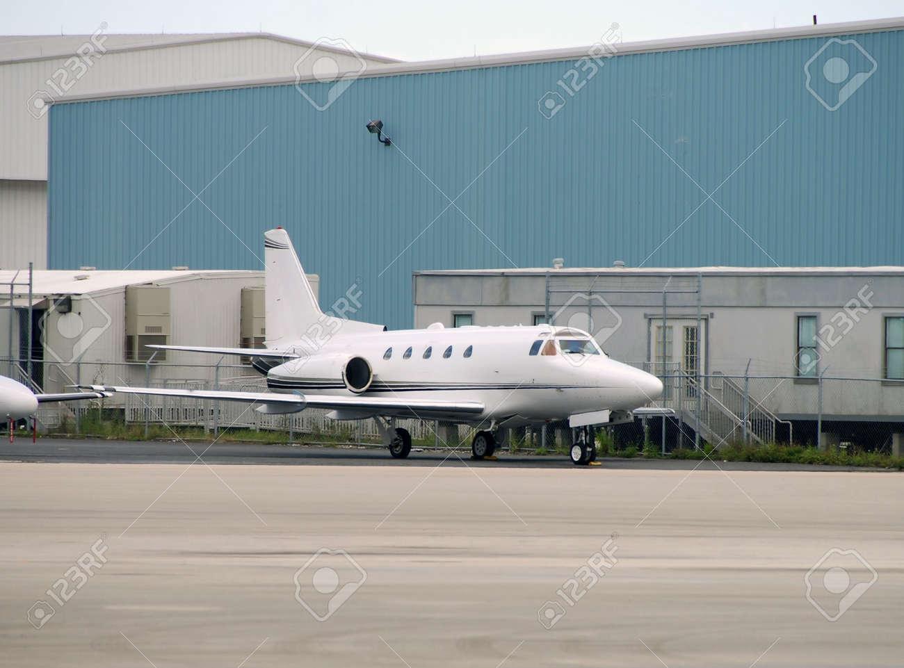 Private jet Stock Photo - 2774242