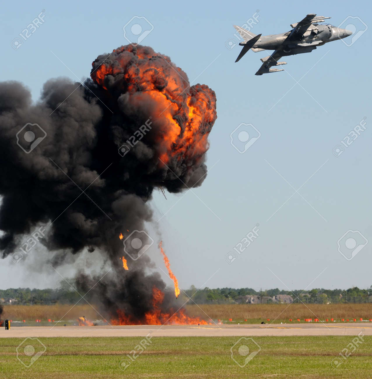 Air Force jetfighter in bomb drop Stock Photo - 5952811