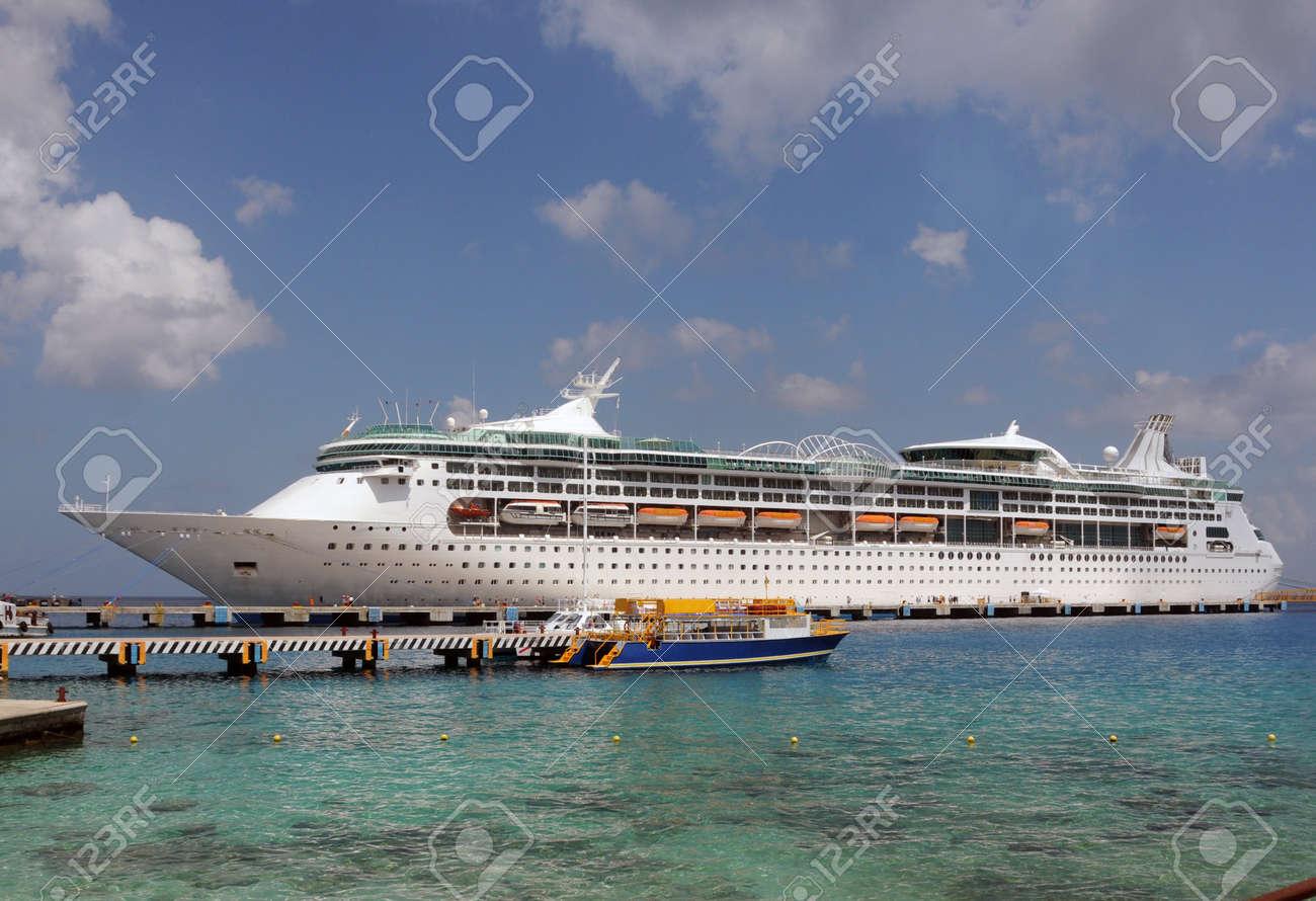Modern ocean liner visiting Caribbean port of call Stock Photo - 19375936