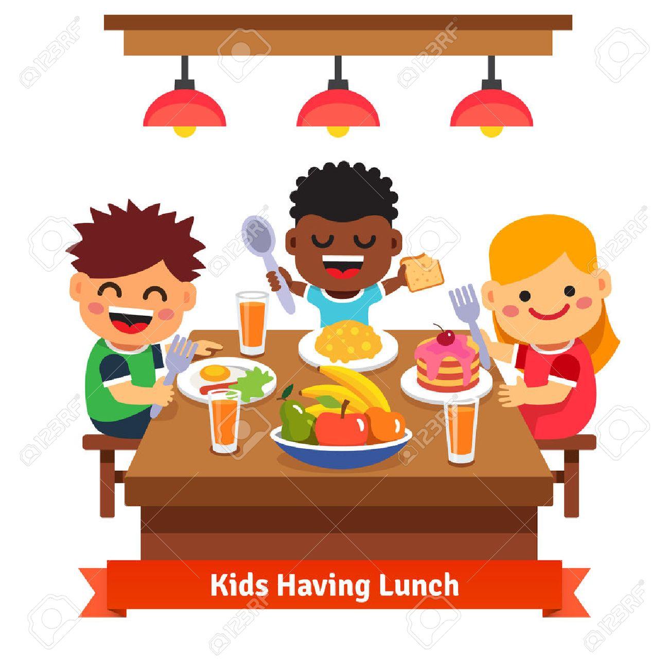 Kinder Beim Abendessen Im Kindergarten Zu Hause Kinder Essen Und