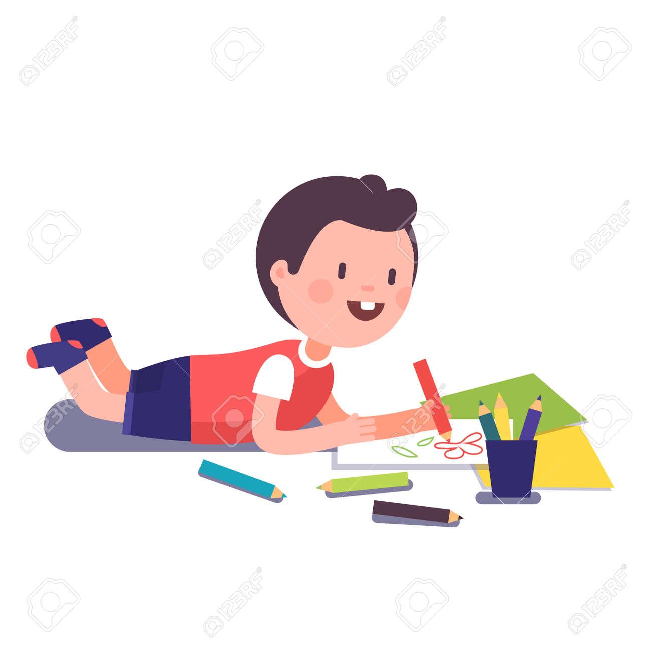 Sonriendo Feliz Niño Y La Pintura Para Colorear Con Sus Lápices De