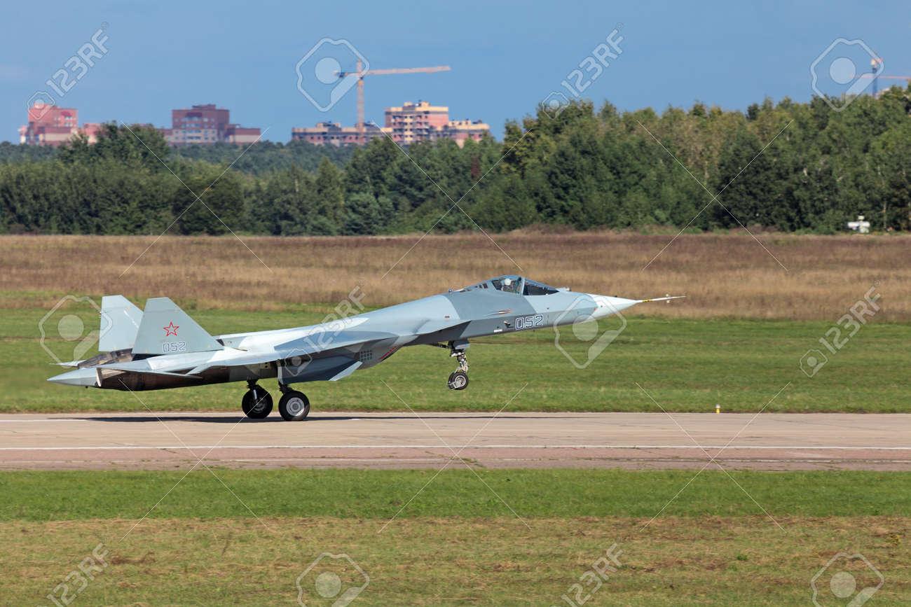 ZHUKOVSKY, RUSSIA - AUG 28: Landing Sukhoi PAK FA T-50 (Prospective ...