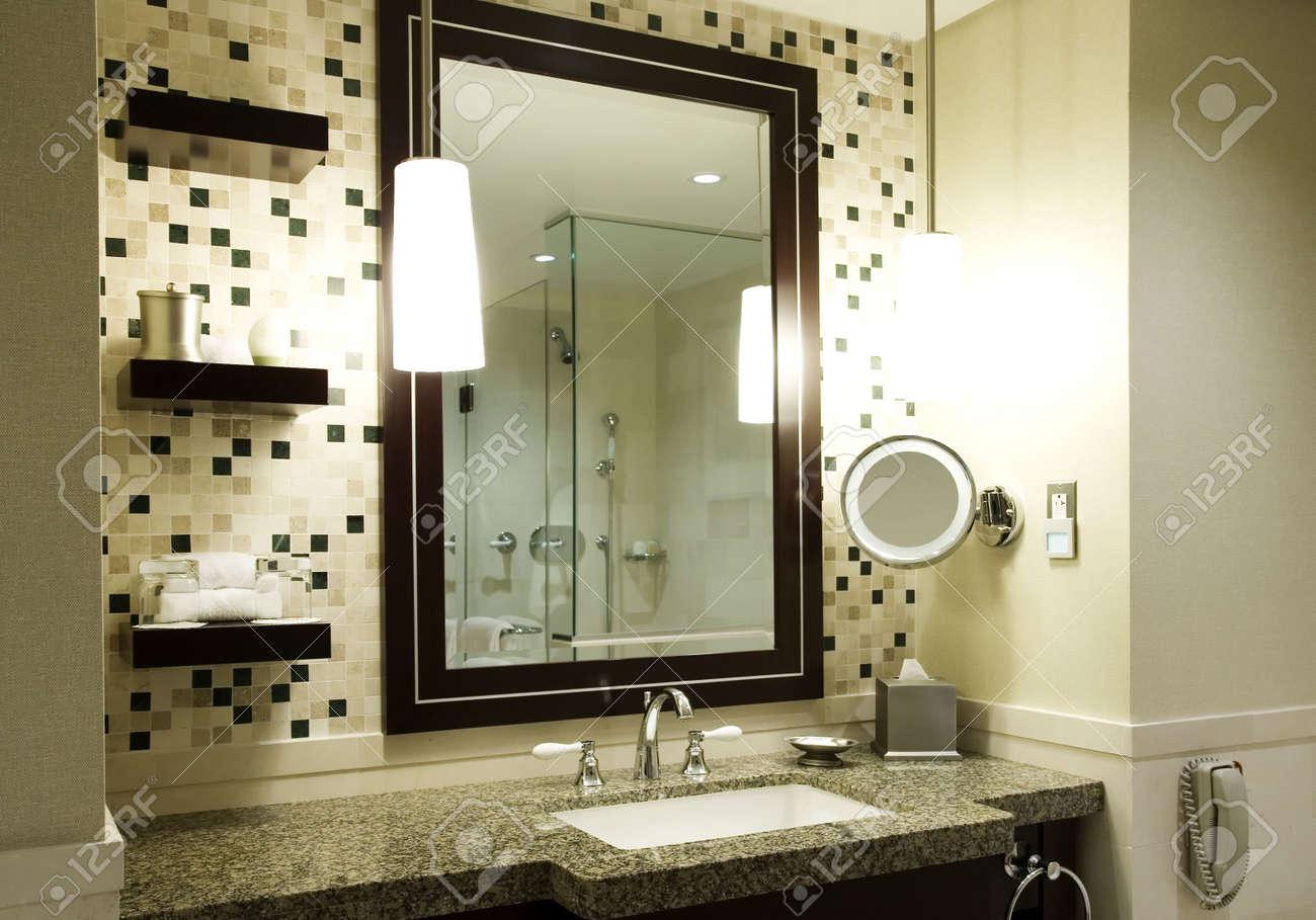 Salle De Bain Luxe Hotel ~ salle de bain moderne dans un h tel ou condo de luxe banque d images