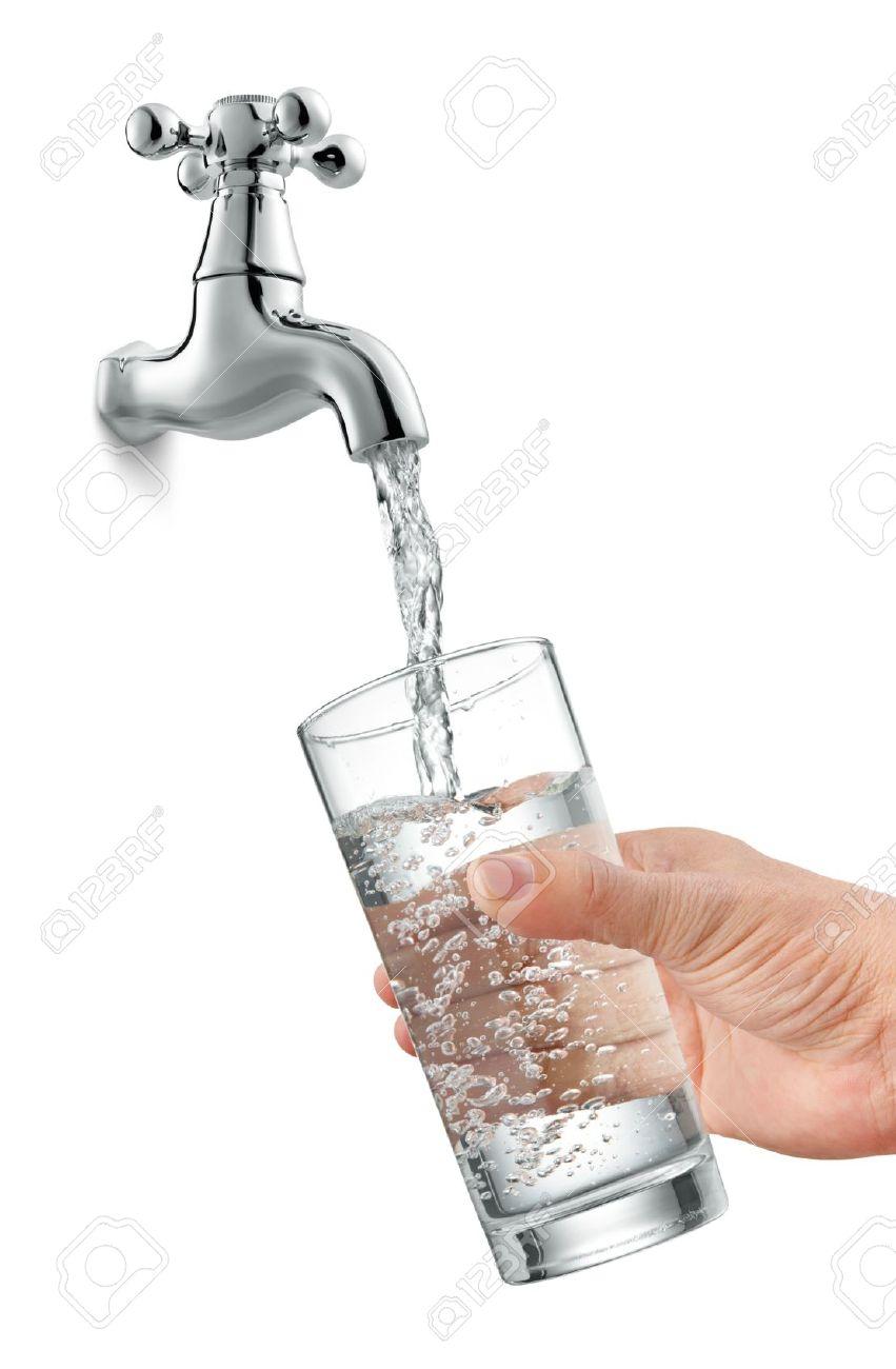 Fullen Ein Glas Wasser Vom Hahn Lizenzfreie Fotos Bilder Und Stock
