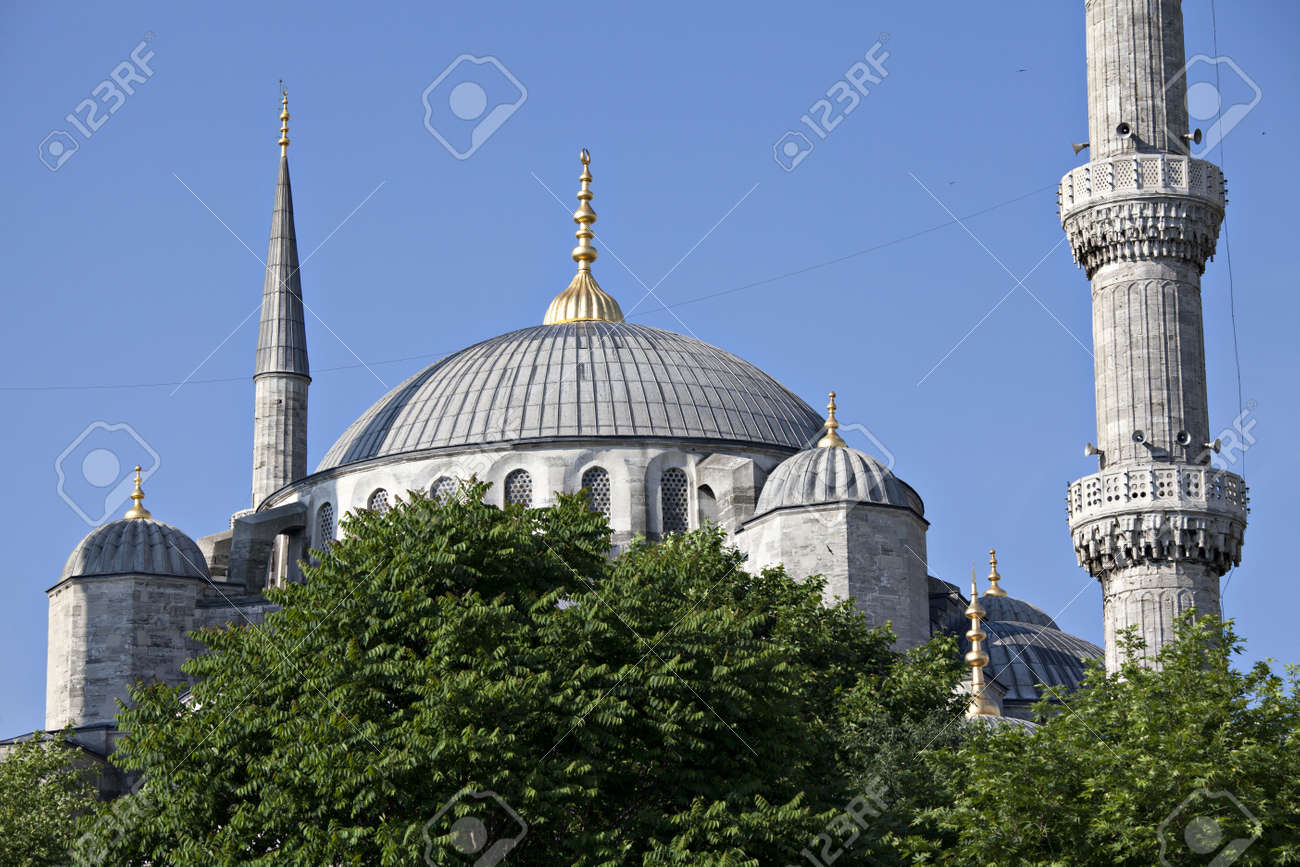 Sultan Ahmet Mosque, Istanbul, Turkey Stock Photo - 13409843