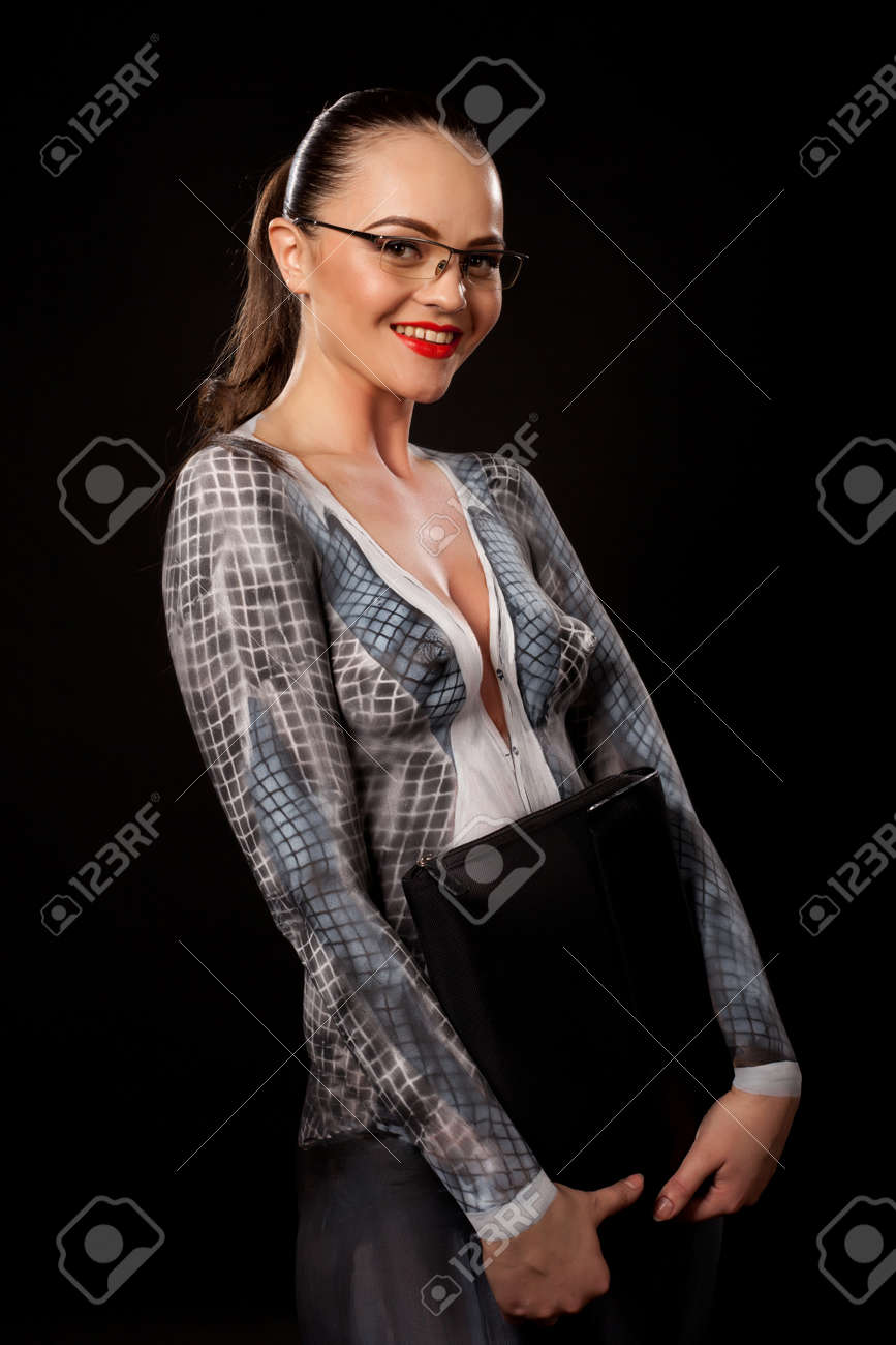 Frau brille nackt foto 6