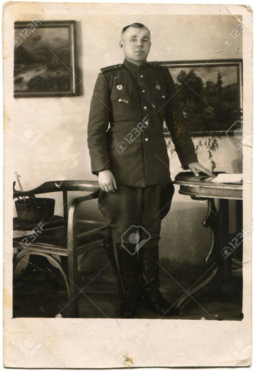 ドイツ - 1946年の肖像画はドイツの家の内部、ドイツ、1946 年頃にソ連 ...