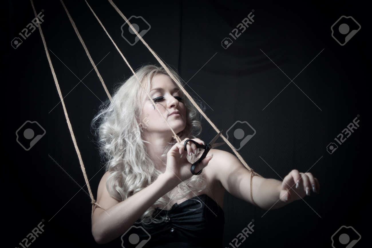 Связанная веревкой девушка 19 фотография