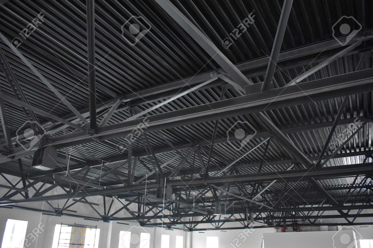 fasteners and metal roof supports - 165580655