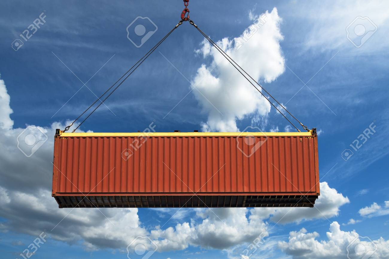 unit of container carry out lifting to transit shipment cargo