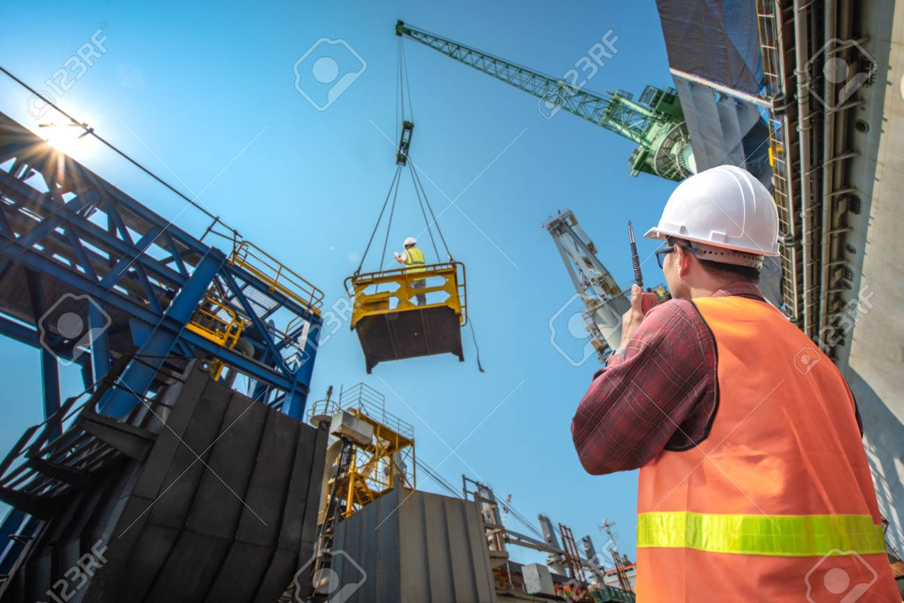 engineering, loading master connecting to gantry crane driver