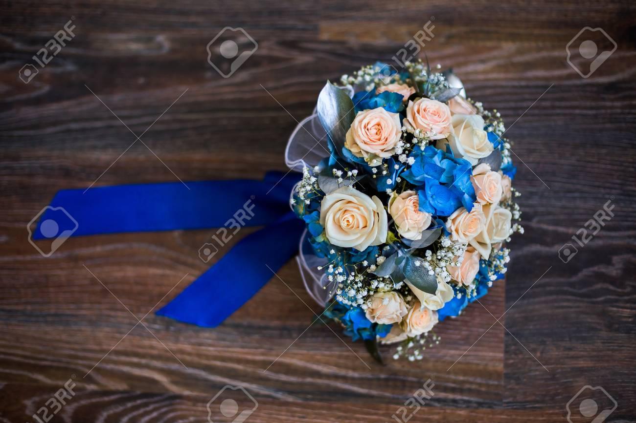 Hochzeit Blumen Strauss Rosa Rosen Und Blauen Blumen Rosen