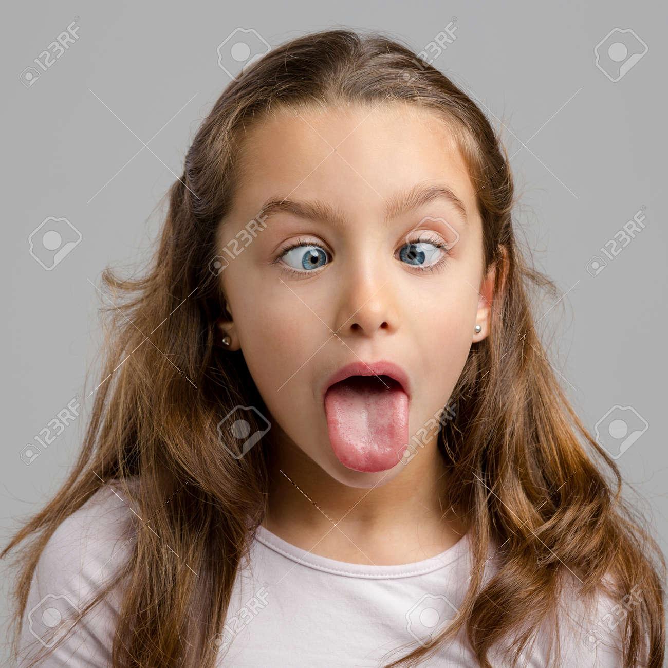 girl tongue