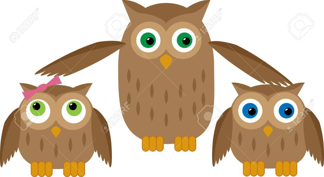 Mom owl protects their two owl babies Stock Vector - 15589890