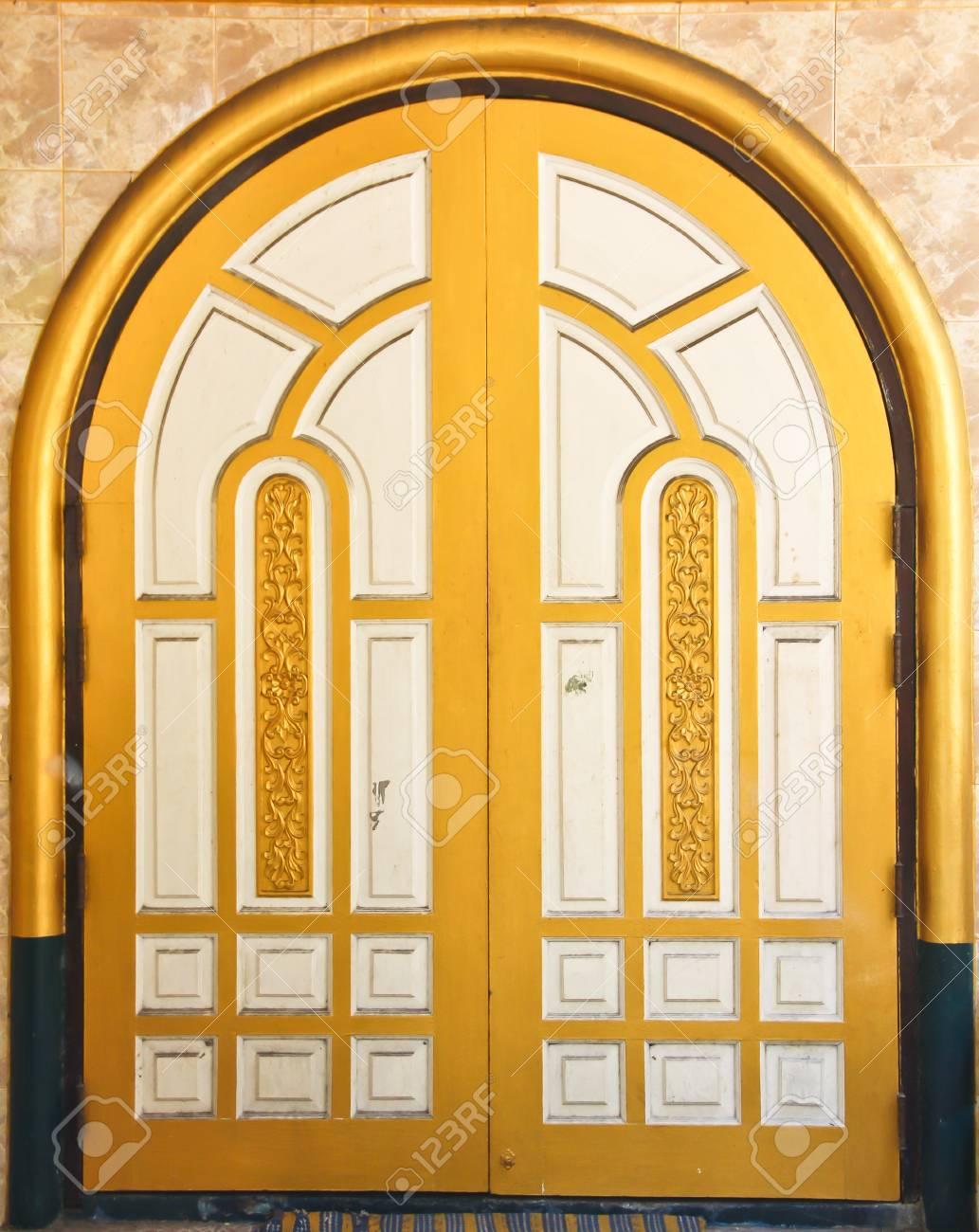 old  door Stock Photo - 18422779
