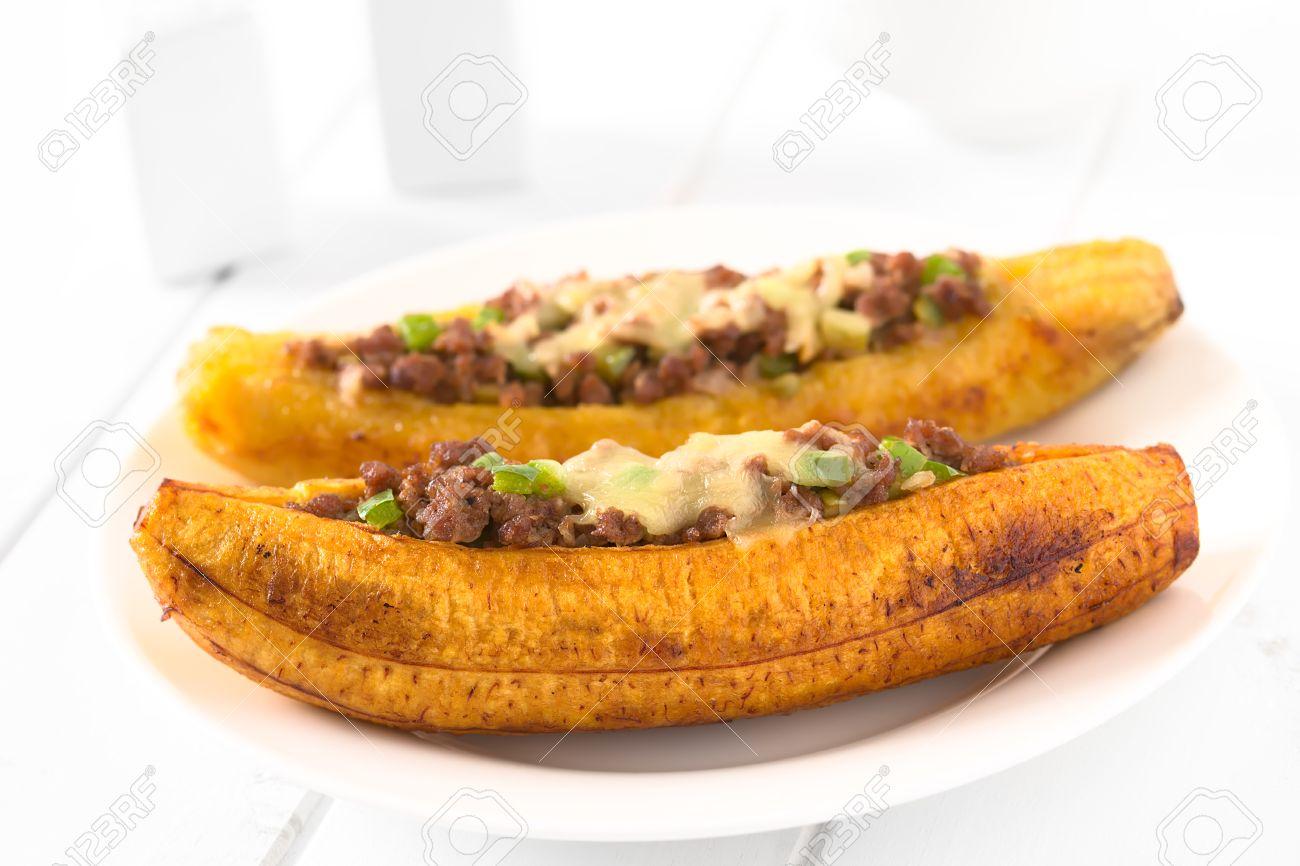 Plátano Maduro Al Horno Relleno Con Pimiento Oliva Pimiento Verde