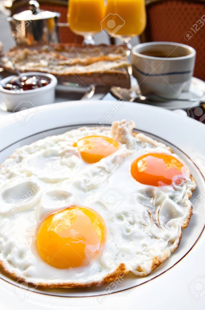 Prepared Egg - Isolated prepared egg under the sun Stock Photo - 10365636