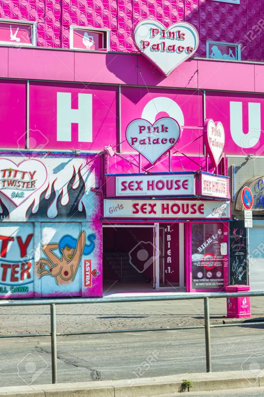 pink palace reeperbahn