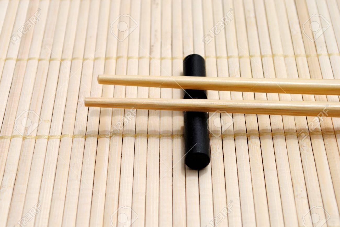 Japanische Essstabchen Auf Bambus Tischset Hintergrund Lizenzfreie