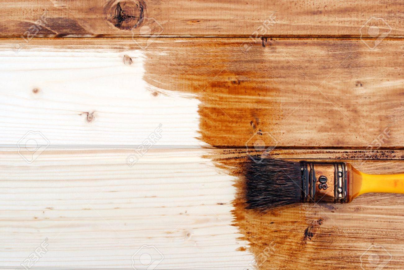 Colori Vernici Legno : Immagini stock giallo vernice vernice perline in legno di colore