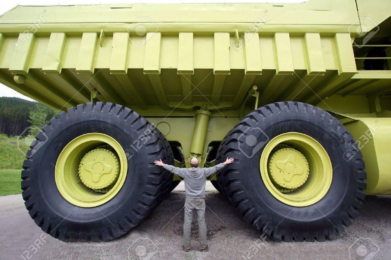 Dump truck Stock Photo - 6310301
