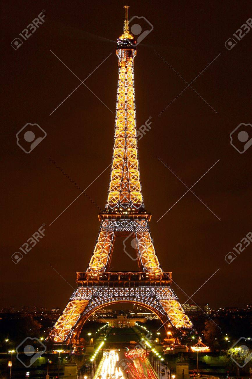 Eiffel tower by Night (Editorial use only)  Stock Photo - 10331905