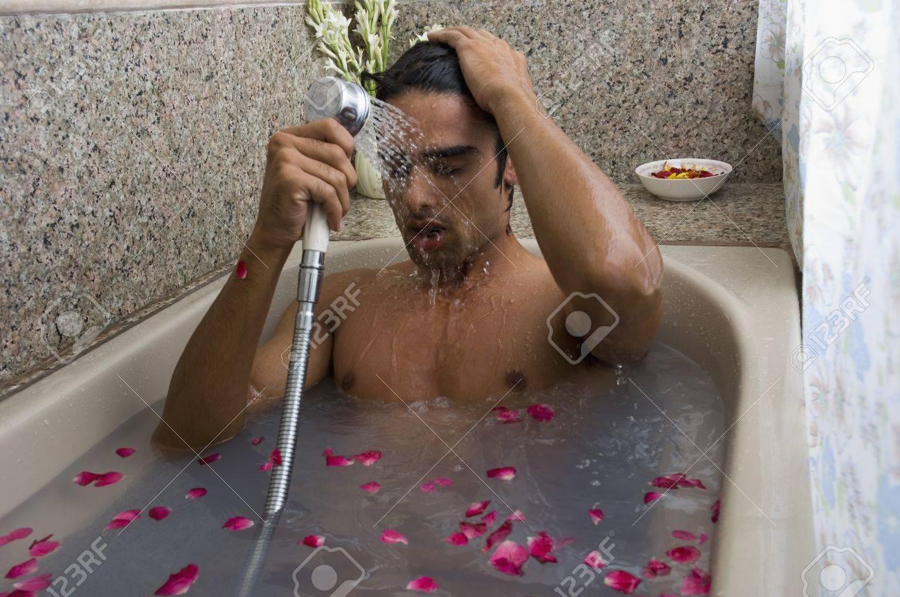 Сексуально писает в ванной, Писает В Ванной (найдено 59 порно видео роликов) 21 фотография