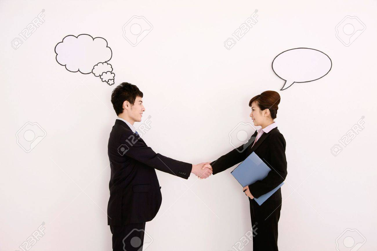 Business people with thought and speech bubble above their heads, shaking hands - 13384031
