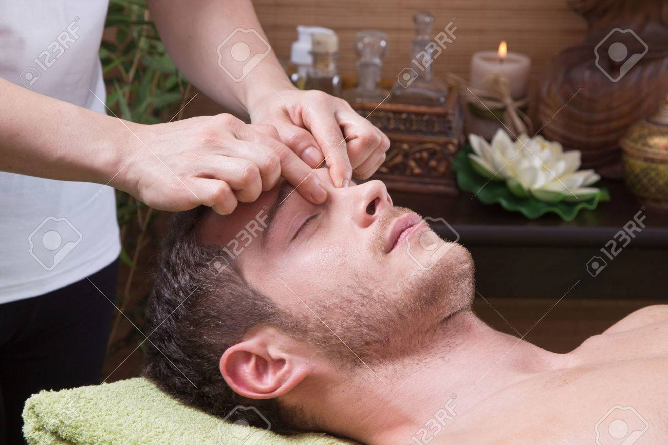 Смотреть массаж пожилых женщин 3 фотография