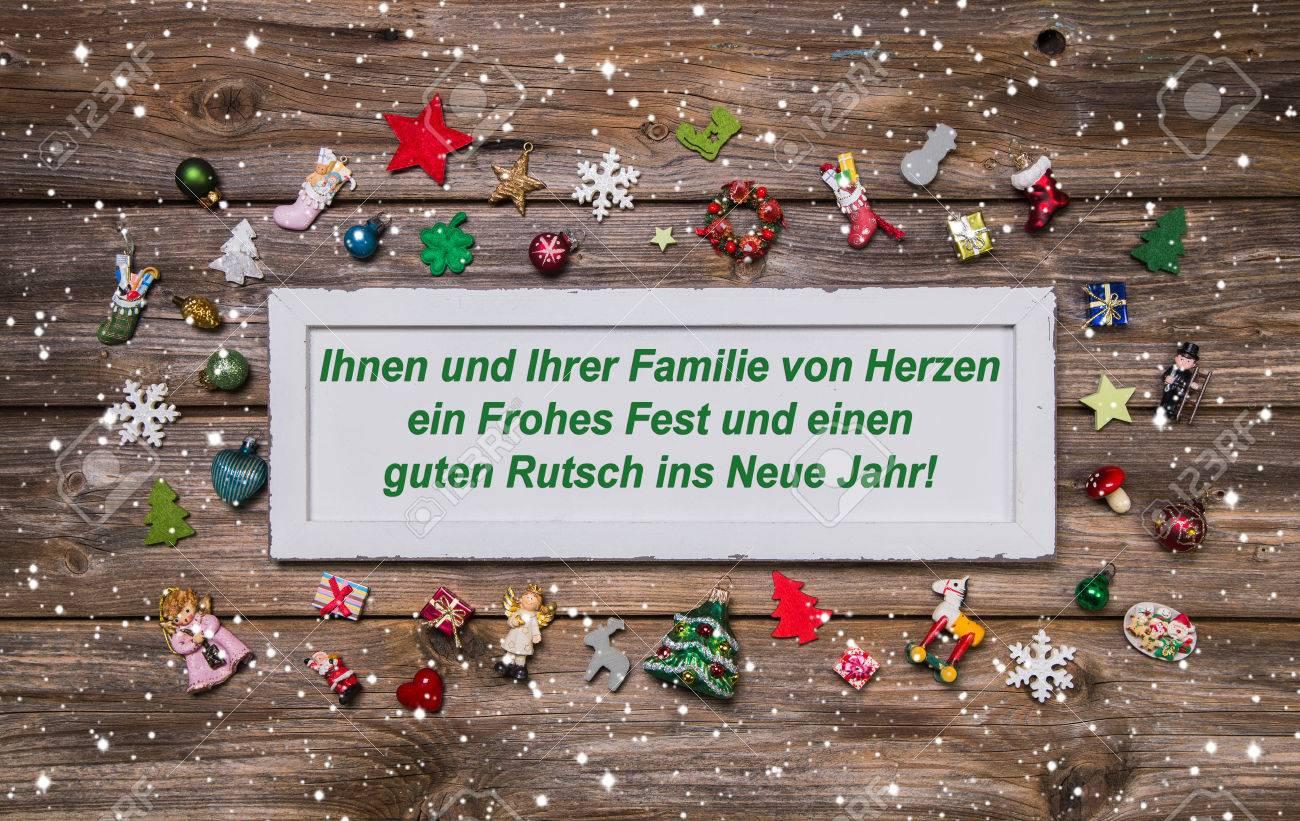Weihnachtskarte Mit Bunten Dekoration Und Deutsch Text Frohe ...
