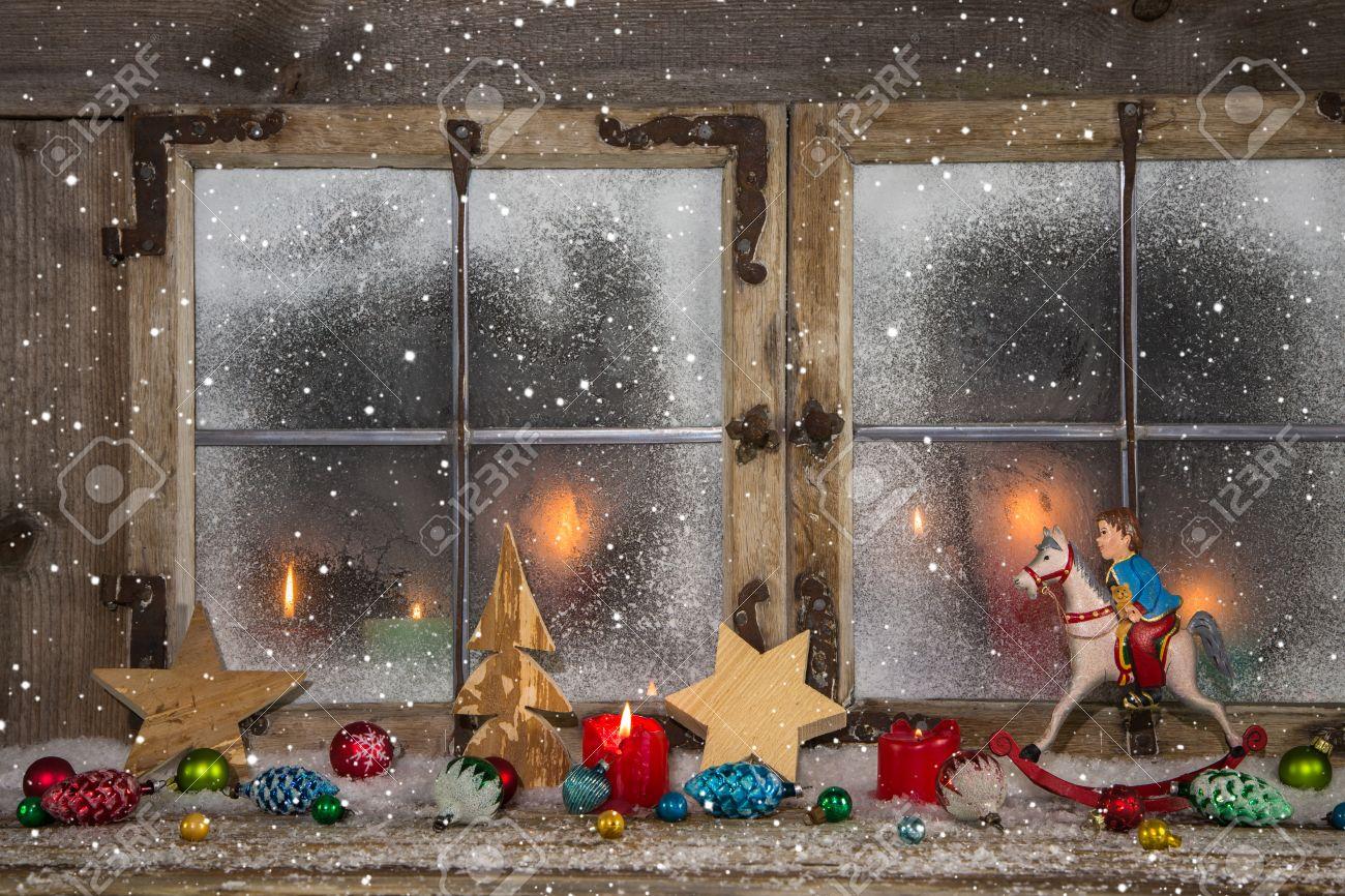 Festlich Geschmuckten Holz Weihnachts Fenster Mit Kerzen Und Vintage