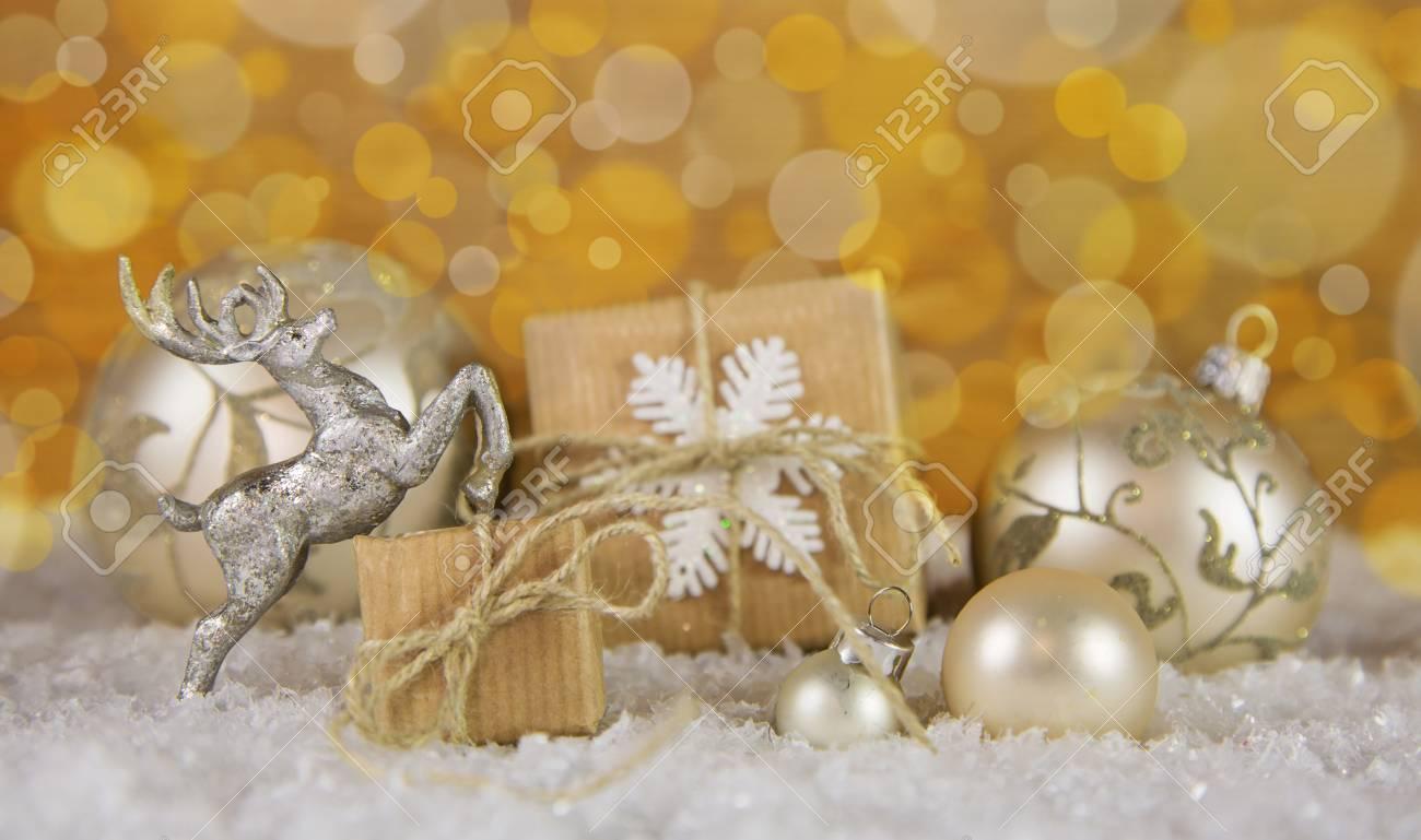 Weihnachtsdeko weib silber gold
