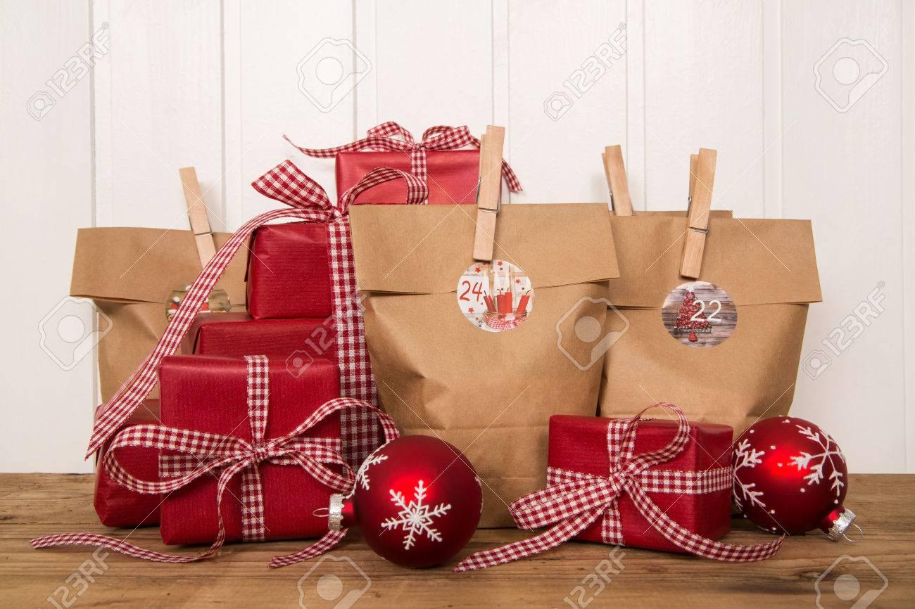Handgemachte Weihnachtsgeschenke In Tüten Verpackt Und Präsentiert ...