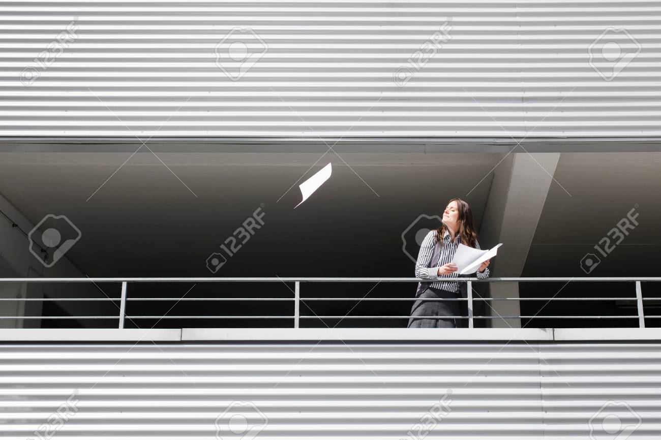 woman dreaming in the sun - 113926687