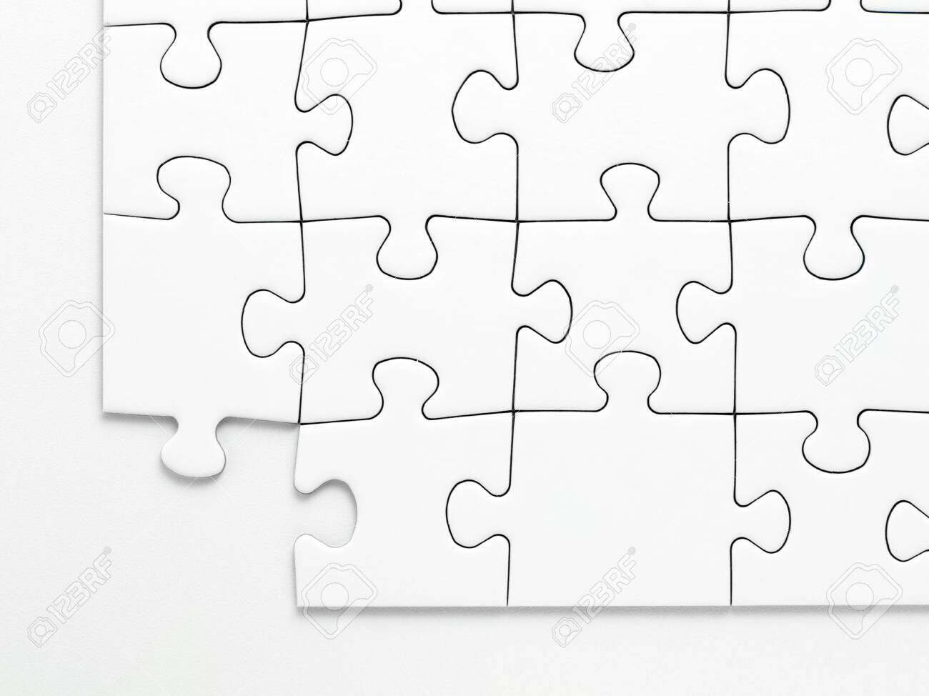 A missing piece from a jigsaw - 128764621