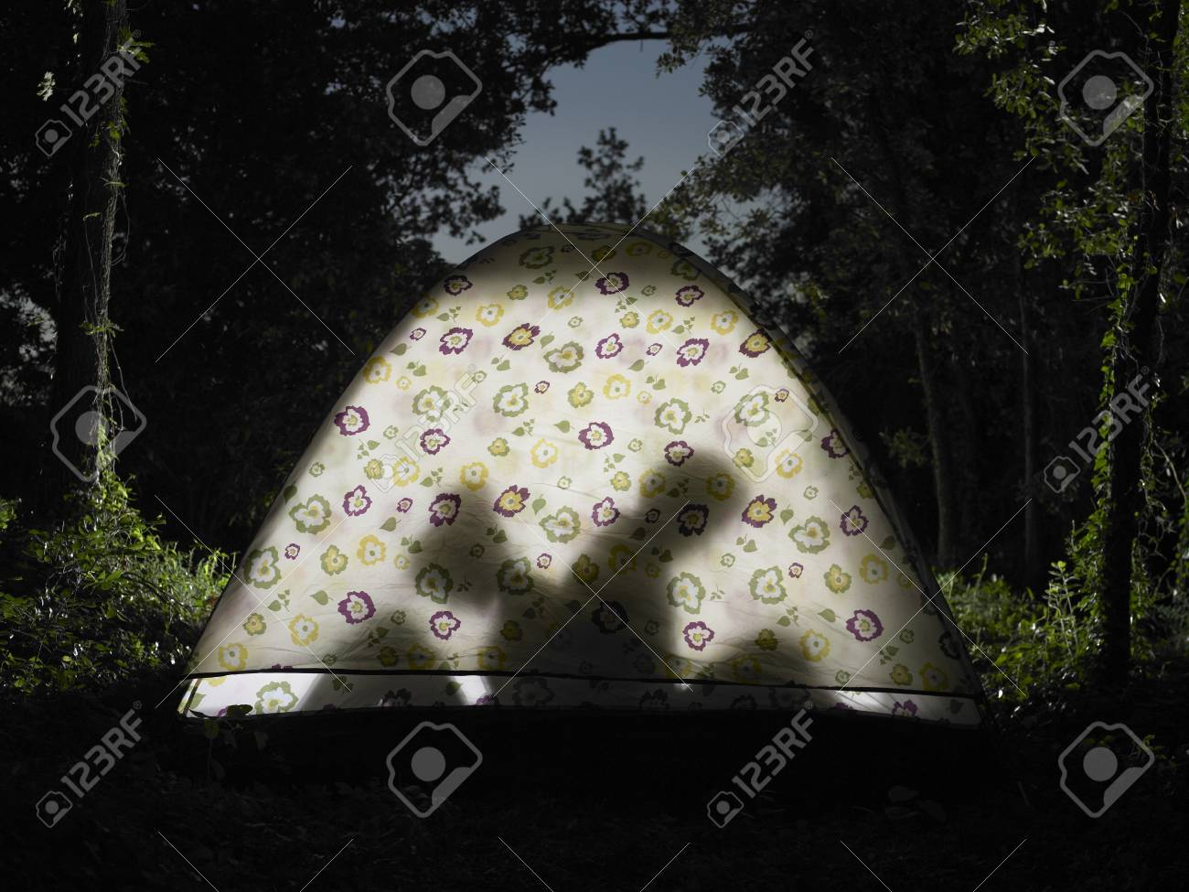Couple sitting in tent silhouette view Stock Photo - 84022412 & Couple Sitting In Tent Silhouette View Stock Photo Picture And ...