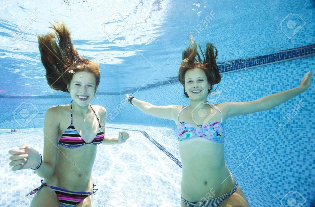 Bikini girls underwater photos