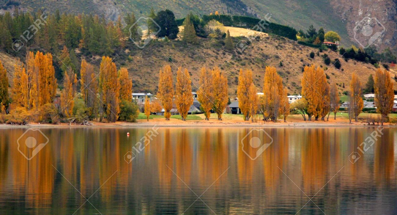 Lake Wanaka, New Zealand Stock Photo - 3572978
