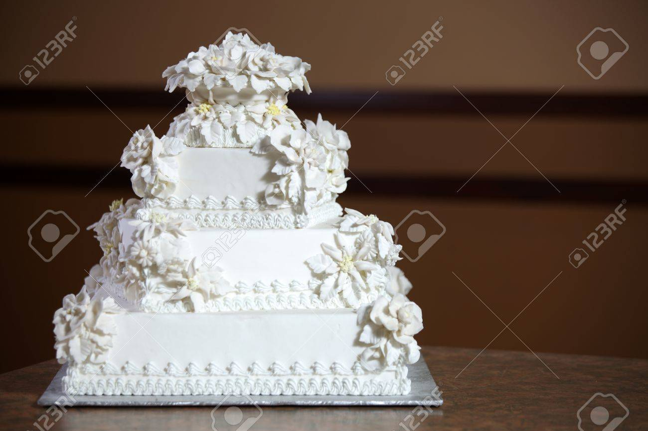 Wedding Cake - Luxury , Expensive Design Stock Photo - 9234944